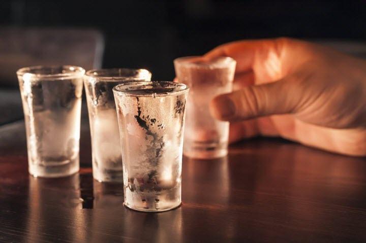 Чрезмерное употребления алкоголя вредит здоровью