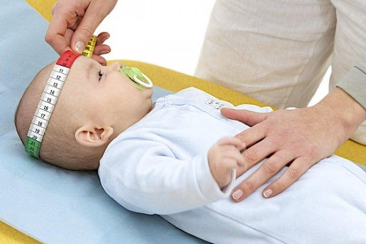 Измерение головы ребенка