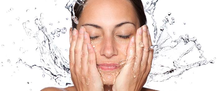 Хоолодная вода облегчает симптомы